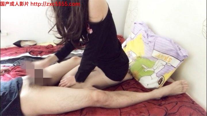 91爱丝小仙女思妍–碎花黑裙肉丝2美腿诱人足交推倒在床上抽插小嫩穴