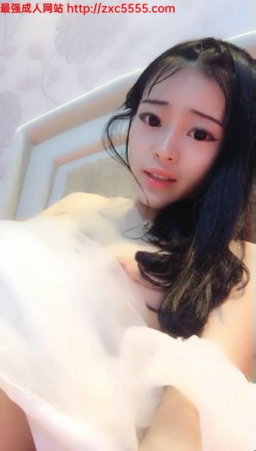 粉嫩漂亮的大眼美女主播紫薇大秀普通話对白