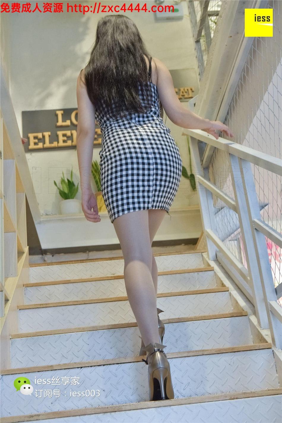 草裙小书_格子短裙裙美女迷人灰丝袜高跟写真【40P】_丝袜诱惑-久久热大